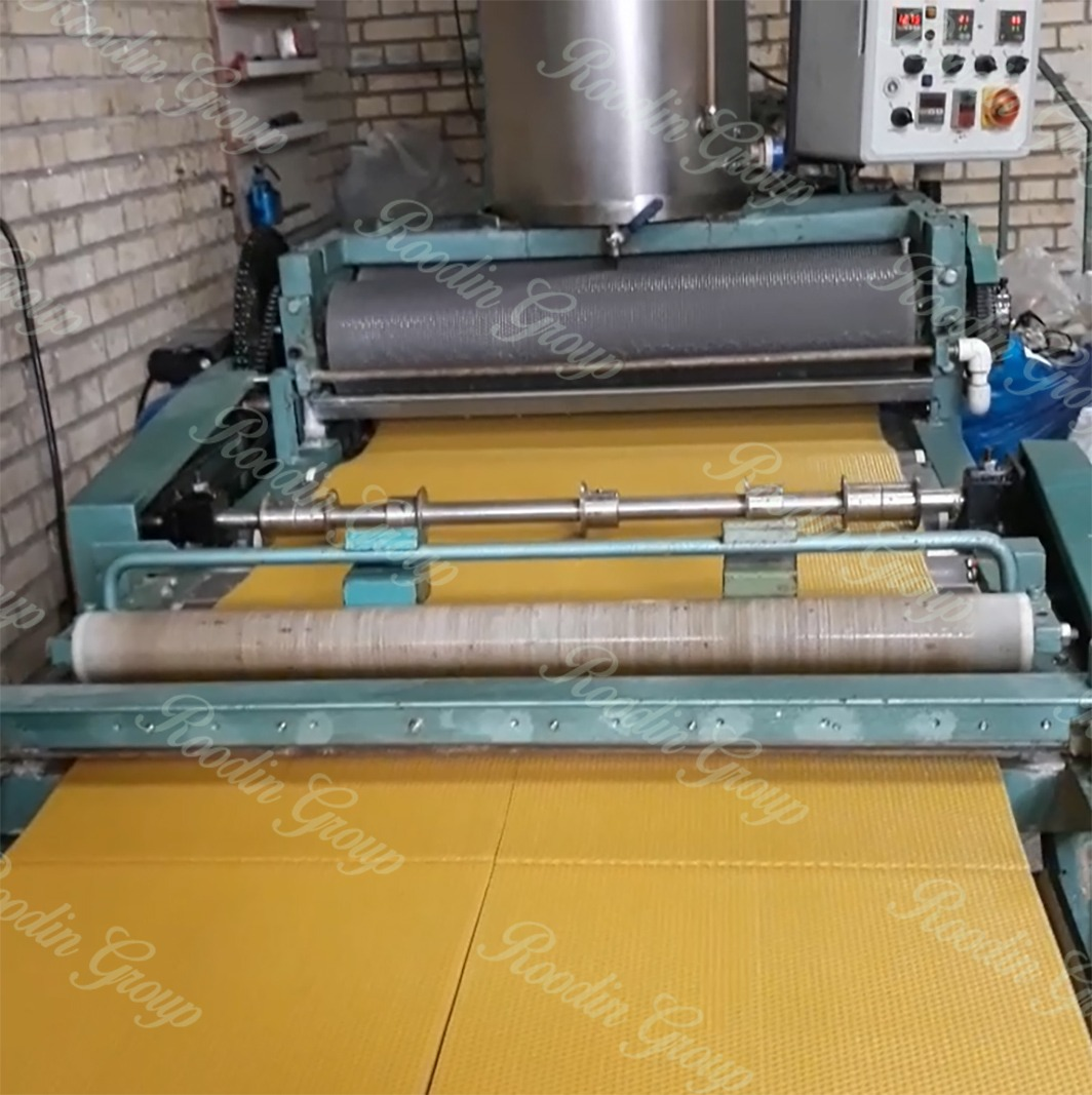 Fully Automatic Beeswax Foundation Machine